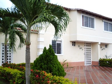 townhouse en venta miranda guarenas